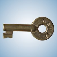 Vintage SCARCE Delaware & Hudson Railroad Blue Flag Brass Key D&HBF