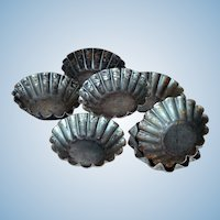 SEVEN Late 1800s-early 1900s Fluted Tin Pastry or Tart Pans