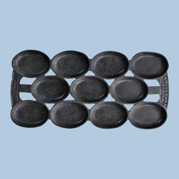 1880s N Waterman Cast Iron Madeleine 11-Cup Cake Baker Pan