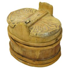 Primitive Stave Made and Carved Lidded Butter Tub
