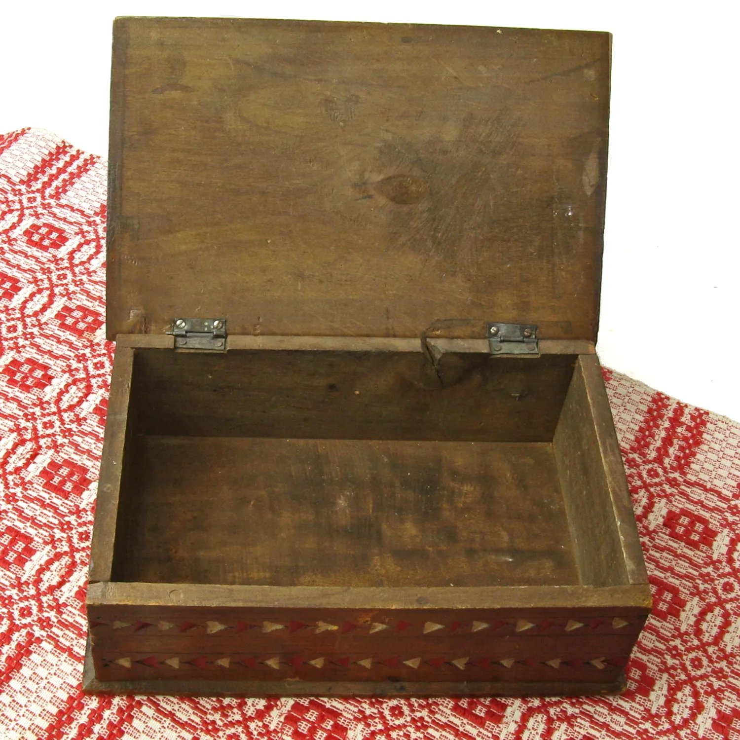 Painted mahogany and chip carved desk box ca