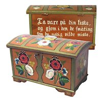 Norwegian Rosemaling Decorated Miniature Chest (Skrin) with Lock and Key