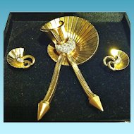 18kt & Diamond Retro French Brooch & Earring Set, CA.1940's