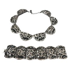 NAPIER Chunky Hand Wrought Look Hammered Textured Silver Tone Brutalist Metal Necklace and Bracelet Set