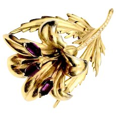 Purple Stoned Gold 1940s Retro Brooch