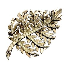 Nettie Rosenstein Pale Gold Tone Branched Leafy Brooch with Variegated Rhinestones