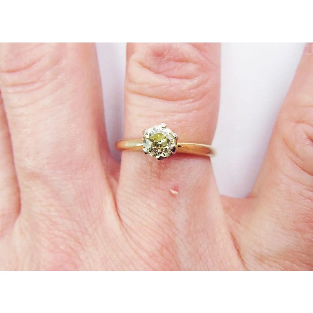 RADIANT .41 Ct. Natural Fancy Light Canary OEC Diamond Solitaire/14k ...