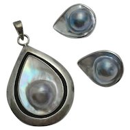 Sterling Silver Blue Mabe Blister Pearl Pendant Clip On Earrings