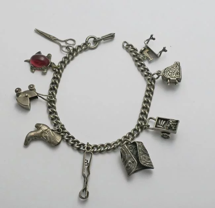 CANADA USA VARIOUS COUNTRIES Vintage sterling silver charms bracelet