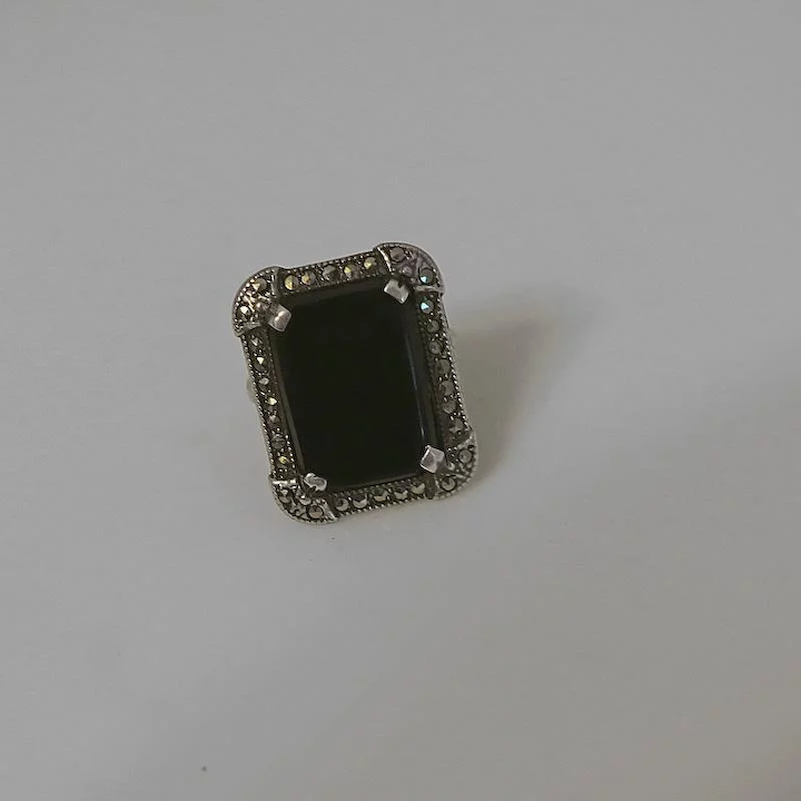 Art Deco Sterling Silver /& Marcasite Brooch with Onyx Gemstone