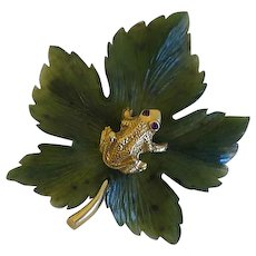 Cellino 14k Yellow Gold Carved Green Leaf  Jade Frog Ruby Eyes Pin