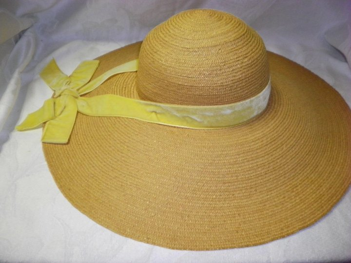 2603453e567 Vintage Wide Brim Straw Hat By Miss Ruth New York : Cameo Antique ...
