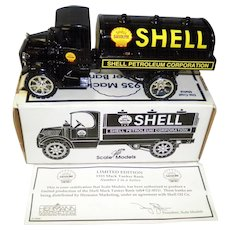 Ertl Die Cast Metal Shell 1935 Mack Tanker Bank