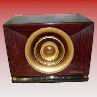 Vintage RCA Victor Golden Throat Tube Radio