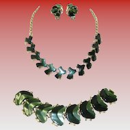 Vintage Thermoset Lucite Green & Gold Tone Necklace Bracelet & Earring Set