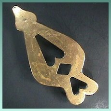 c1820 Spade-shaped Heavy Sand Cast Brass Trivet with three Solid Legs
