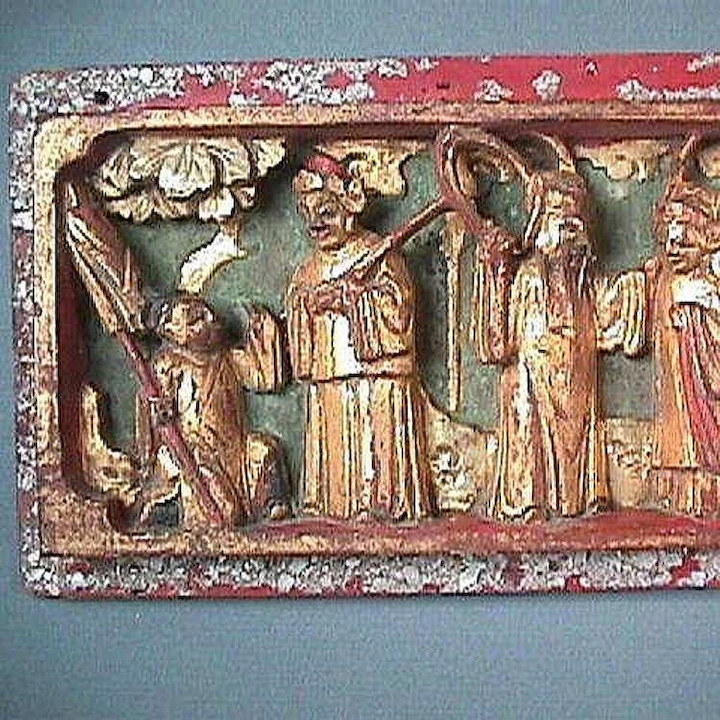 Late 1800s Chinese Deeply Carved Wood Panel With Sline Scene Crushed Malachite Vermillion And Mother Of Pearl