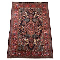 Persian Bakhtiari Room Size Carpet or Rug circa 1930