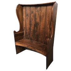 19th Century Georgian Elmwood and Pine Curved Settle