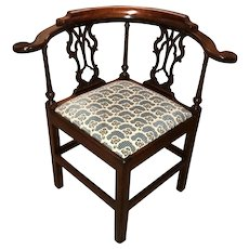 19th c Chippendale Style Walnut Corner or Round About Chair
