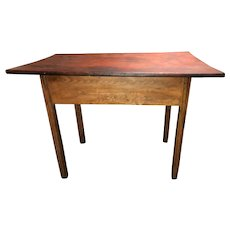 18th Century American Tavern Table with Molded Marlborough Legs