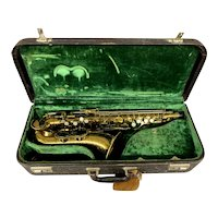 King Zephyr Model Professional Brass Alto Saxophone in Velour Lined Case 1949