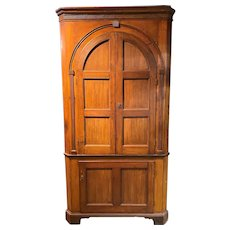 19th Century New Jersey Arched Door Corner Cupboard with Blue/Gray Interior