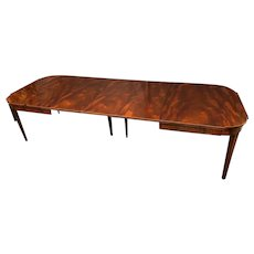 Hepplewhite Schmieg & Kotzian Mahogany Inlaid Dining Table w/ Astragal Corners