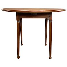 18th Century Oval Tavern Table with Splayed Legs