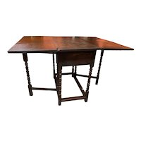 18th Century English Oak Gateleg Table with Great Surface