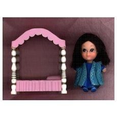 Hasbro Storykin  Sleeping Beauty with Bed