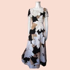California Calliope Long Summer Dress in Latte, Black and White Oversize Flowers 1970 Style