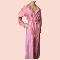 Peony Pink Ladies Robe with 1940's Vibe by David Brown California Size M
