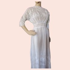 Exceptional Summer Dress Edwardian Era White Broderie Anglaise