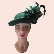 Pine Green Felt Hat Feather Spray Fall Winter Style