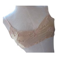 Lingerie Brassiere Early 20th Century Peach Tone Lace Accents