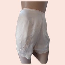 Early Lingerie Tap Pants Light Peach Tone with Lace Inserts