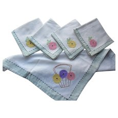Luncheon Set Tea Linens Embroidered & Applique McIntosh Roses