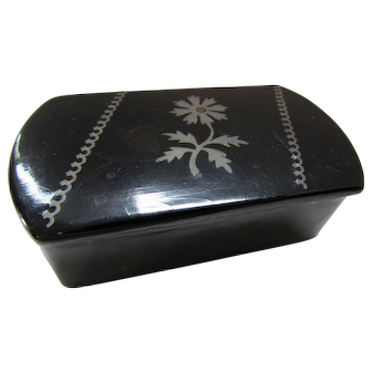 Handsome Black Lacquer Trinket Box with Silver Tone Daisy