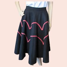 1950 Era Felt Circle Skirt in Black and Fuchsia Velvet Embassy Sportswear
