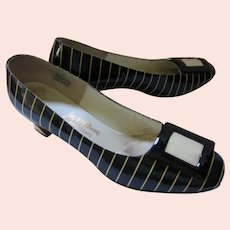Shoes Fenton Last for Saks Fifth Avenue Black Patent with Beige Stripe 8 1/2 AA