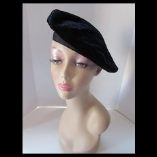 Simple Black Velvet Beret with Red Lining