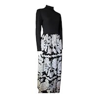 Mid Century Long Skirt Lounge Dress in Black and White