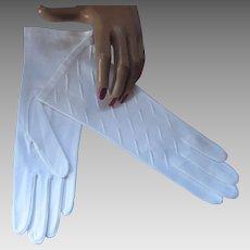 Never Worn White Cotton Ladies Gloves by Van Raalte Elegant Size 7 Made in Phillipines
