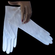 Never Worn White Cotton Ladies Gloves by Van Raalte Elegant Size 7 Made in Phillipines