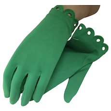 Mid Century Kelly Green Gloves Wrist Length Never Used