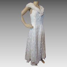 Scott McClintock 1980 Style White Lace and Chiffon Gown with Draped Collar Petite 14