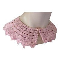 Crochet Mid Century Collar in Bubble Gum Pink