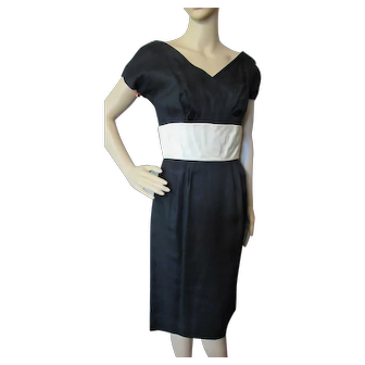 Sophisticated Little Black Dress for Evening Wear with Cream Tone Cummerbund