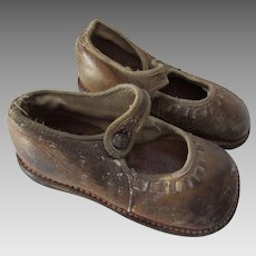 Vintage Children's Shoes Charmingly Scuffed in Brown Leather Free Shipping USA